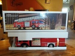 1986 Hess Toy Fire Truck Bank. With Gold Grill M.i.b.