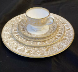 Wedgwood Florentine Gold Dragons W4219 5 Piece Place Setting More Available Nice