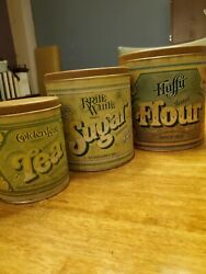 Vintage Collectible Tin Fluffy Brand Set Your Mothers Choice Since 1837/1844
