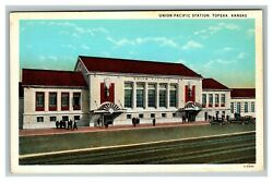 Vintage 1930and039s Postcard Union Pacific Station Topeka Kansas Antique Cars