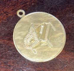 """Vtg Round Charm 12 Kt Yellow Gold W/ Etched Grand Piano Lovely """"personal Note"""""""