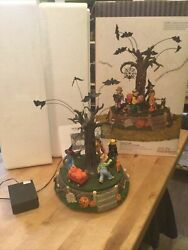 Dept 56 Halloween Battery Operated Costume Parade 56.55201 Tested Works W Box