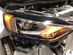 Used 2019 Ford Edge Rh Headlamp Assembly Kt4z-13008-au W/ Small 2 Chip See Photo