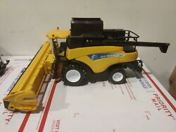 New Holland Cr9090 Combine Farm Toy Tractor 1/32 Diecast By New Ray