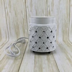 Yankee Candle #x27;Addison#x27; Tart Wax Warmer Electric LED White Cut Outs #1626578