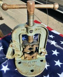 Sears 1-h 1/8- 2-1/2 Pipe Vise Clamp