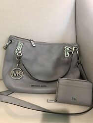 Michael Kors Gray Pebbled Leather Crossbody Purse With Wallet $95.00