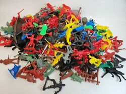 Huge 150+ Plastic Figure Toy Lot Made In China Cowboy Indians Pirates Knights