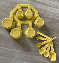Tupperware Measuring Cups Spoons And Rack Bright Yellow All In Nice Condition