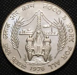 1976 India Silver 50 Rupees - Fao Issue -food And Work For All -lustrous- See Pics