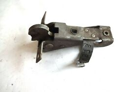 Nos 1951 - 1952 Chevy Rear Compartment Trunk Lid Latch Lock