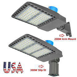 200w 300w Led Shoebox Lights With Dusk To Dawn Photocell -5500k 800w Equivalent