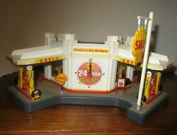 Danbury Mint Shell Gas Service Station Scale 148 Diorama Clock And Lights+adaptor