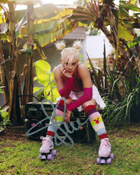 Autographed Photo Pink - Alecia Beth Moore Signed 8 X 10