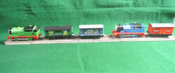 Thomas And Friends Motorized 2006 Thomas And Percy With Extra Cars - Hit Toys