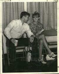1967 Press Photo Naval Officer Neil Thompson With Woman Sitting Out Dance