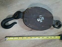 Vintage Antique Cast Iron Rope Pulley 14andrdquo Rustic Primitive Swivel Wood Barn