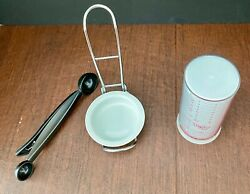 Pampered Chef 3 Items- Spoon Rest 1678, Measure All 2225, Scoop/bag Clip 2555