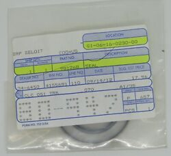 New Omc Outboard Marine Corp Boat Bearing Retainer Seal Part No. 981268