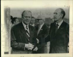 1974 Press Photo Valery Giscard Welcomes President Ford At Lamentin Airport