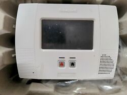 Honeywell Lynx Touch L5200 Series Ic Model Lynxtouch2 Used