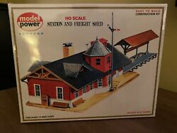 Model Power Ho Scale Station And Freight Shed 427 O86