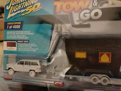 Johnny Lighting Tow And Go White Lightning 1981 Jeep Wagoneer With Tiny House 1
