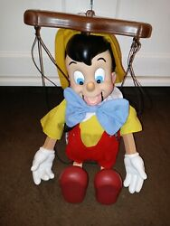 Disney Classic Pinocchio 16 Singing Puppet Pre-owned Must See