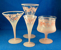 And039dorothy Thorpeand039 57 Pc. Service Pink On Clear With Hand Painted Florals - Estate