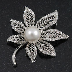 Exquisite Filigree DiamanteSimulated Pearl 'Leaf' Brooch In Silver Plating - 5c