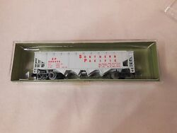 N Scale Postage Stamp Trains/aurora Southern Pacific Quad Hopper