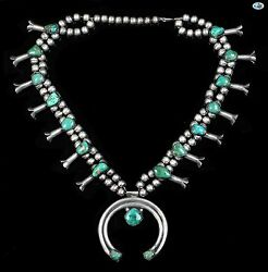 Vintage Native American Indian Navajo Green Turquoise Sterling Silver Necklace