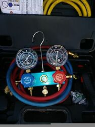 AC Refrigerant R134A dual manifold gauges in case