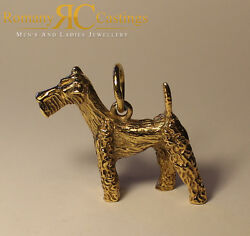 Airedale Terrier Pendant cast in 9ct Gold  21.5 Grams approx Fully Stamped