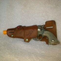 1950and039s - Toy And039petand039 6 Diecast Cap Gun W/ Red Star Leather Holster By Hubley