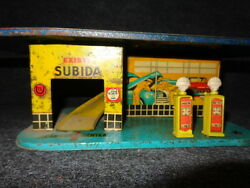 Shell, 40-50 Years Old Gas Station Metal