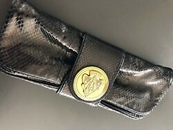 Gucci black python leather clutch bag RARE and amazing