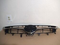 2015 - 2017 Toyota Camry hybrid Front Grille OEM.
