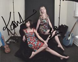 Riki Lindhome And Kate Micucci Signed Garfunkel And Oates 8x10 Photo 2