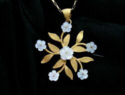 Ladies 18k Yellow Gold Mother Of Pearl Flowers Pendant With Gold Leafs 19.5