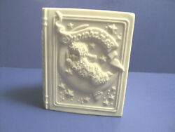 Dept. 56 Winter Tales Of The Snowbabies Ceramic Bank Book By J. Frost