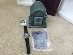 Disney 2003 Haunted Mansion Wallpaper Tomb Limited Edition 400 Watch Signed Mint