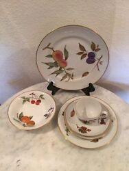 Royal Worcester Evesham Gold Six Piece Place Setting. England Discontinued