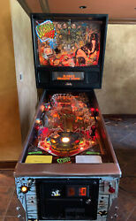 BALLY ELVIRA SCARED STIFF PINBALL MACHINE