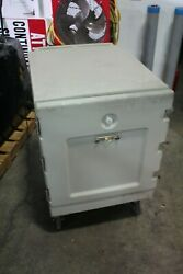 Cambro Cmb1826l Insulated Hot/cold Holding Cabinet Mobile Food Cart