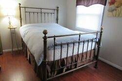 Charles P. Rogers Hyde Park Classic Brass Bed Queen Size