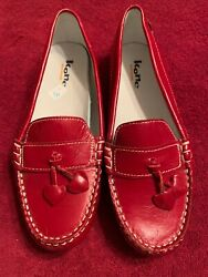 Kone Red Patent Leather Girls Loafers US: 3 EU: 35 UK: 2 Shipped USPS Priority $24.00