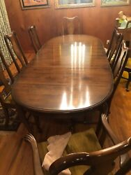 Ethan Allen Georgian Court Dining Table With 8 Chairs Excellent