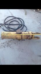Hydraulic Cylinder Caterpillar Cylinder 4 Inch Bore 35 Inches To The Yoke.