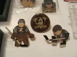 Mighty Ducks Pins 1993 1st Year 3 Round Logoskater And Goalie Domed Enamel